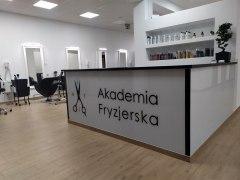 Salon-fryzjerski-Biłgoraj-Akademia-Fryzjerska-16